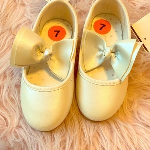 Brand New Ivory dress shoes by Carters